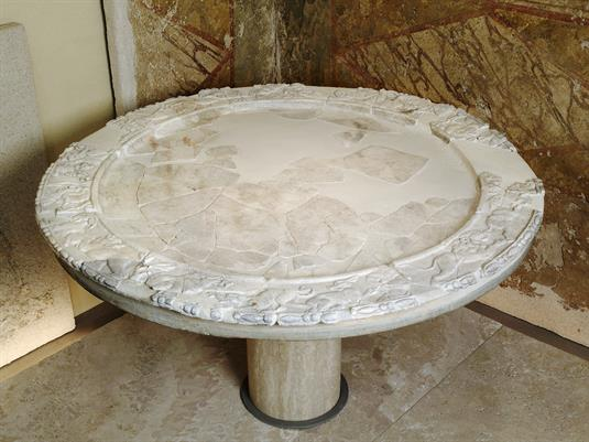 Round marble table