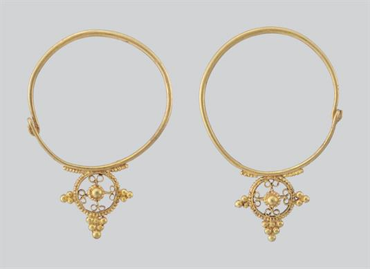 Golden earrings (enotia)